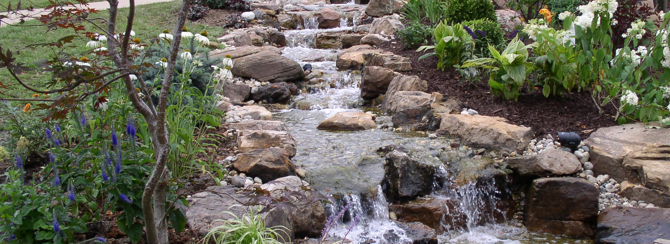 Kansas City Hardscapes water features