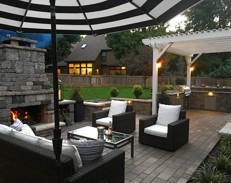 Leawood Outdoor Kitchen & Fireplace