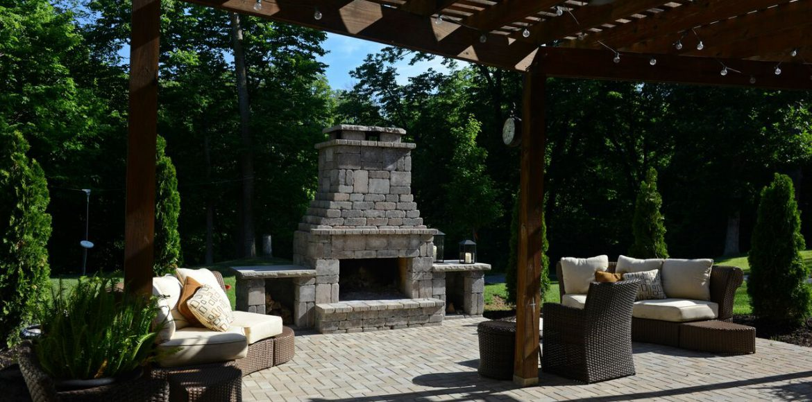 Hardscaping project in Parkville by Kansas City Hardscapes