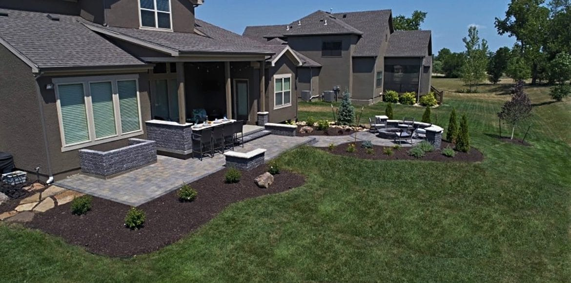 Hardscaping project in Overland Park by Kansas City Hardscapes